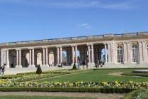 Vue sur le Grand Trianon depuis le jardin
