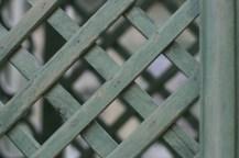 Gros plan sur les treilles des colonnes du Pavillon frais