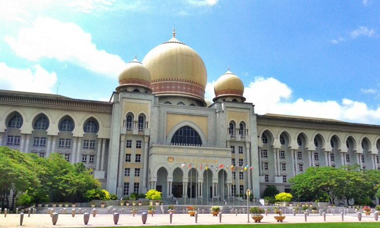 Mufti Kelantan, berkata jika anak tidak sah taraf dibin atau dibintikan pada bapanya, ia akan menimbulkan kekeliruan dan pelbagai masalah seperti ketika mahu berkahwin dan pengagihan harta pusaka.
