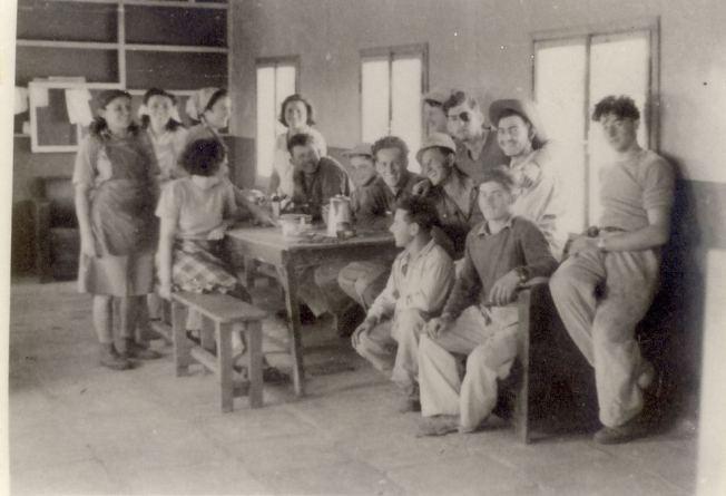 1740 חדר האוכל בצריף בשנת 1949