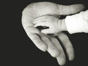 In deine Hände: Ein Abendgebet