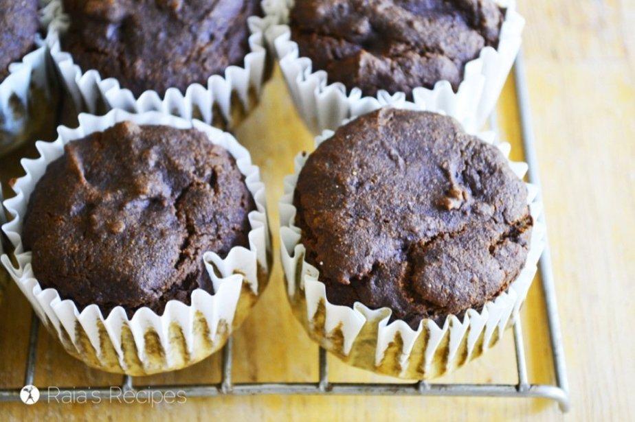 Molasses Muffins | gluten-free, egg-free, dairy-free | RaiasRecipes.com