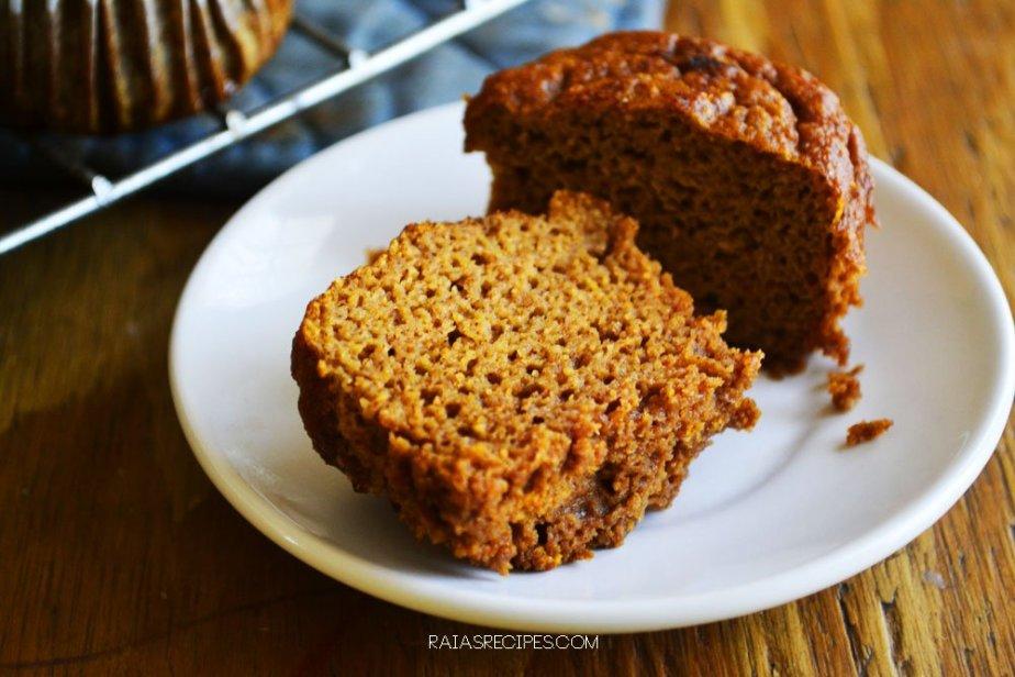 Pumpkin Spice Muffins | grain-free, gluten-free, dairy-free, refined sugar-free | paleo, GAPS friendly | RaiasRecipes.com