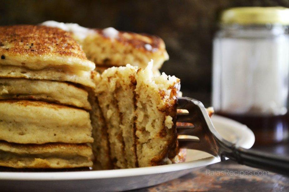Easiest Fluffy Buttermilk Pancakes   RaiasRecipes.com