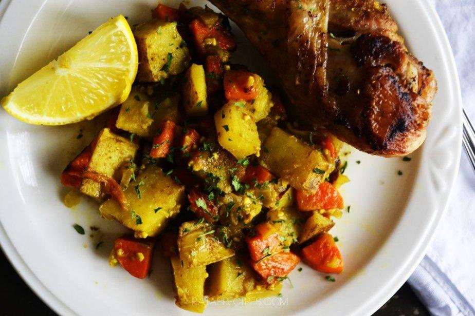 Coconut Chicken Curry | grian-free, dairy-free | RaiasRecipes.com