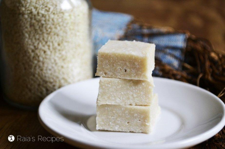 Full of superfood ingredients, this raw, grain-free Sesame & Coconut Halva is quite the nutritious little treat. | RaiasRecipes.com