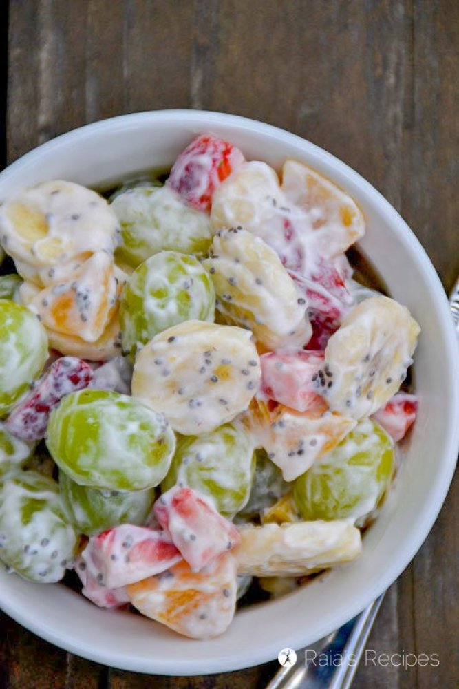 Simple Fruit Salad with Chia and Yogurt 2