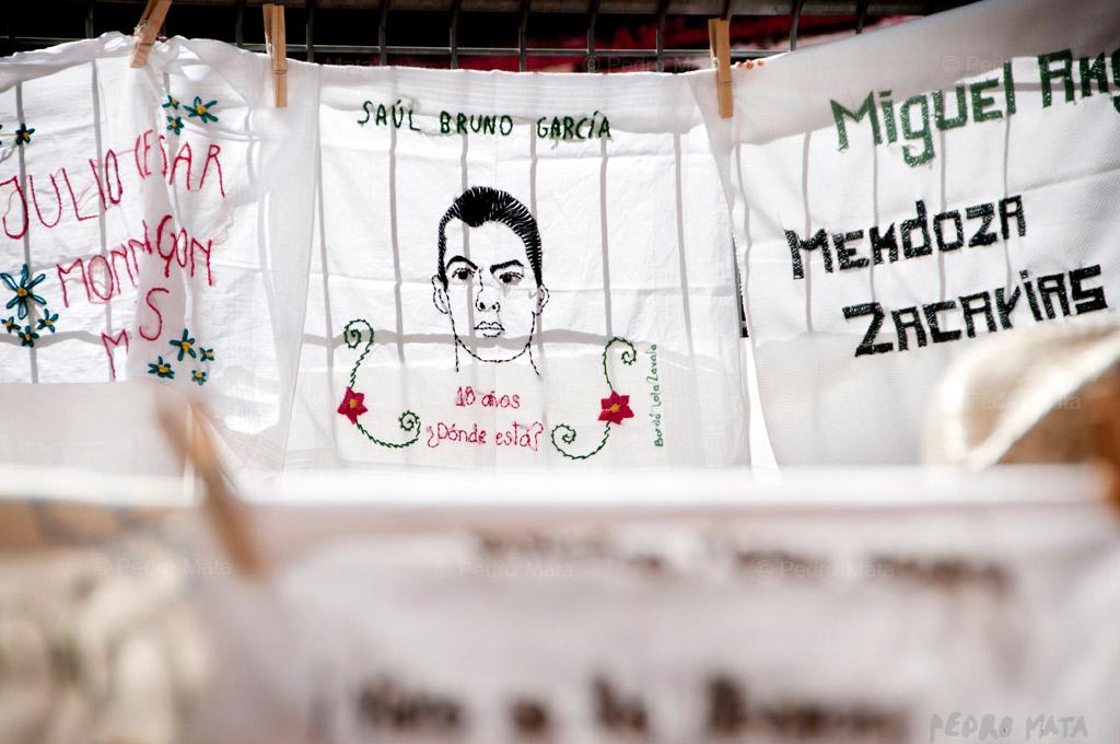 49 pañuelos por Ayotzinapa
