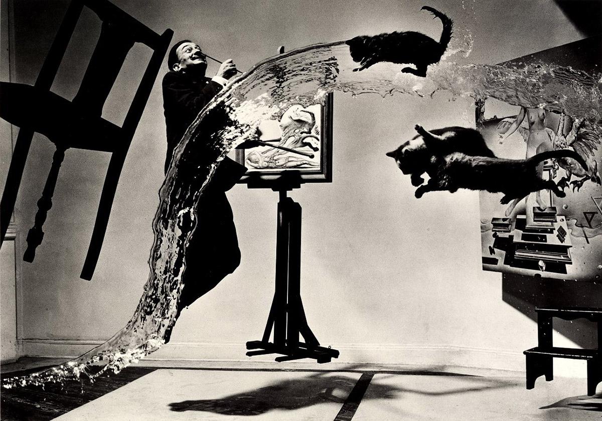 """Dalí Atomicus"" por Philippe Halsman, 1948"