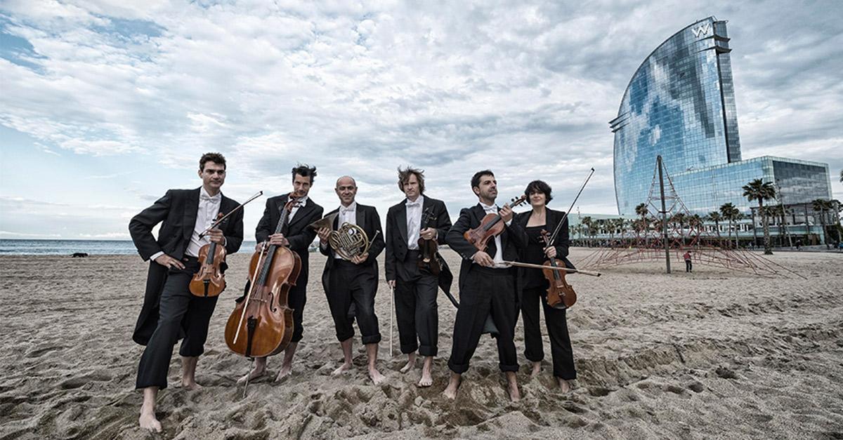 Concierto de la Orquesta Sinfónica de Barcelona (OBC) frente al mar