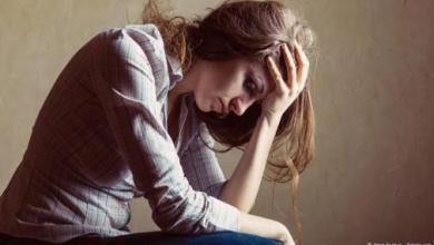 صورة الاكتئاب يرتبط بانخفاض مادة مسؤولة عن حرق الدهون بالجسم