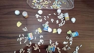 صورة مصالح امن الدائرة الامنية الثانية تتمكن من توقيف شخصين بحوزتهم كمية من الأقراص المخدرة