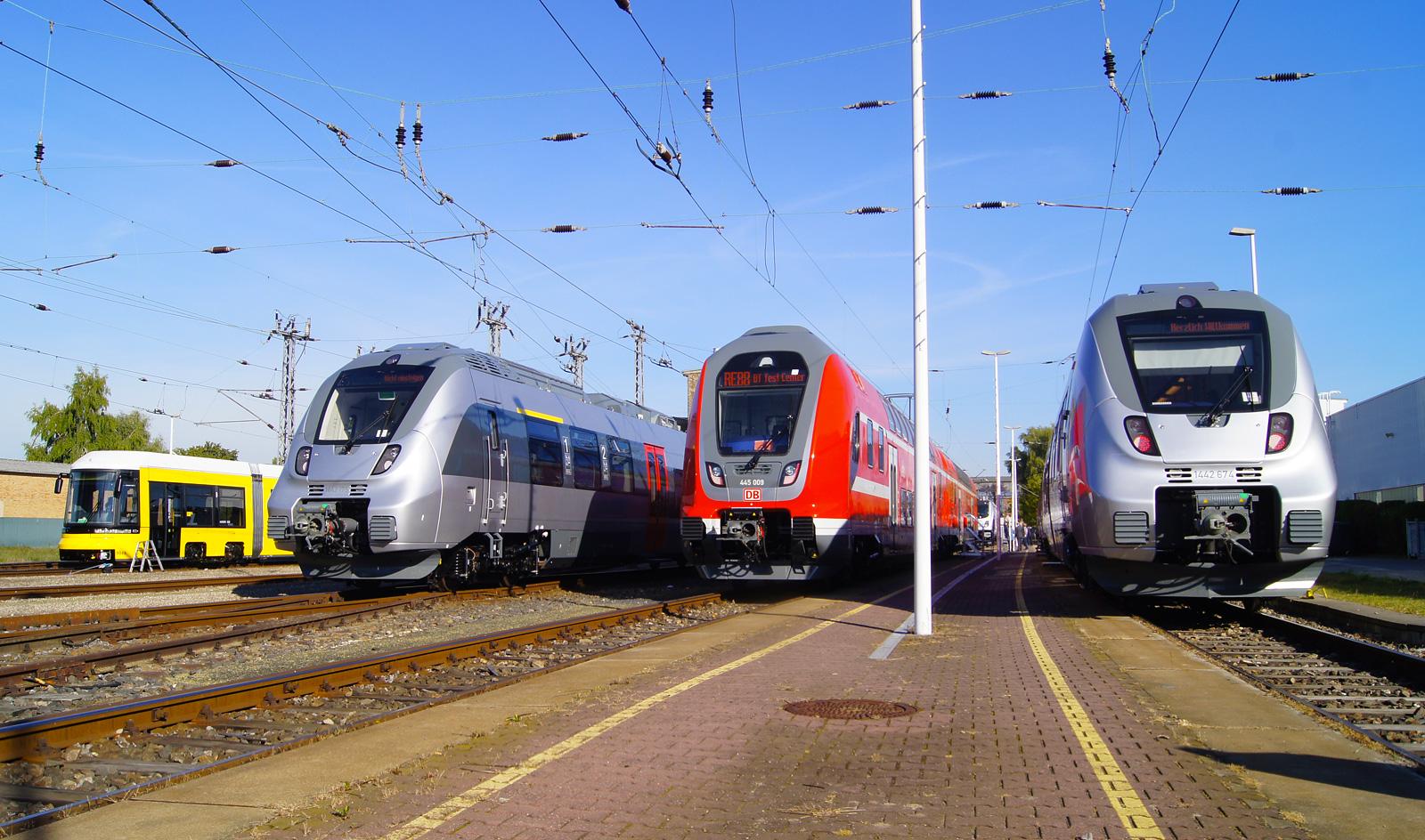 Bombarder line-up: Flexity Berlin - Abellio Talent2 - DB Regio Twindexx Vario - Abellio Talent2