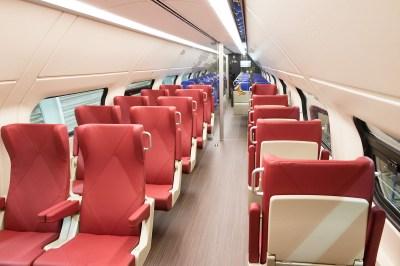 Upper deck 1st class interior - Roel Hemkes