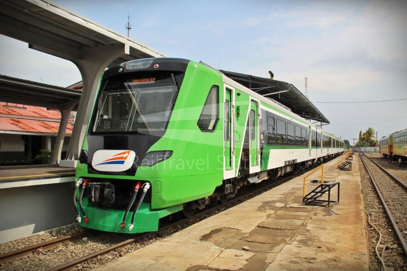 KRDE Minangkabau Express 01