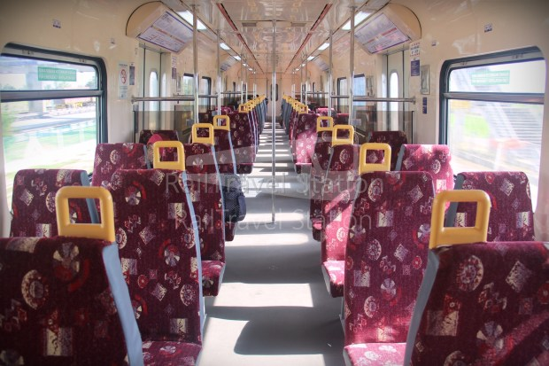 83 Class EMU25 Komuter Utara Interior 01.JPG