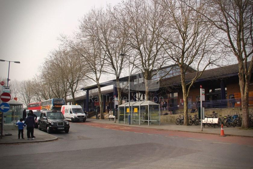Chiltern Railways Oxford Bicester Village 001