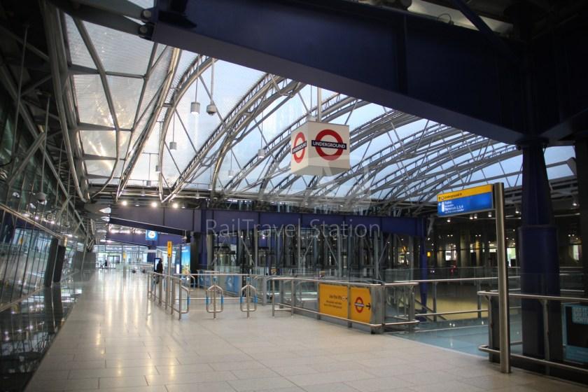 Heathrow Express TfL Rail Terminal 5 Terminal 4 001