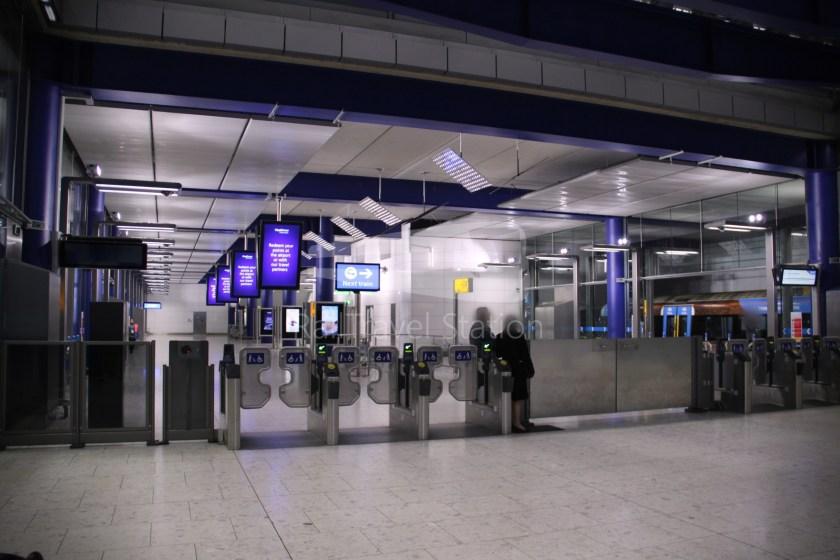 Heathrow Express TfL Rail Terminal 5 Terminal 4 007