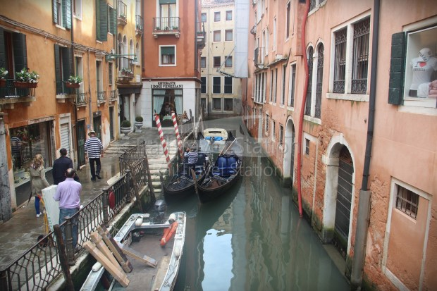 London to Singapore Day 14 Venice 19