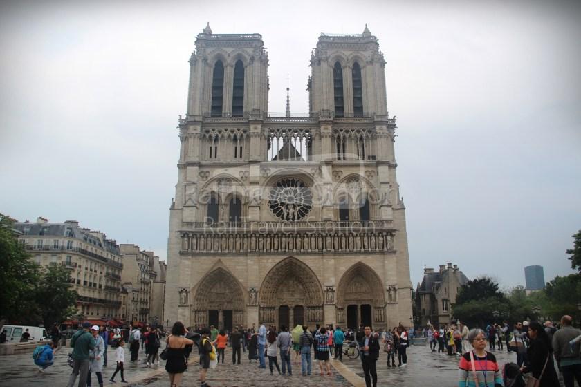 London to Singapore Day 15 Paris 14