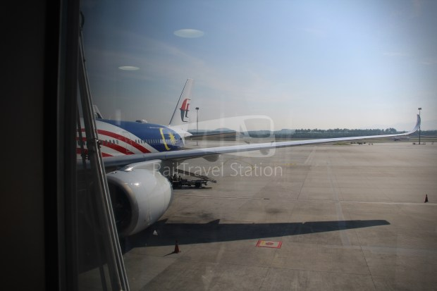 Malaysia Airlines MH4 KUL LHR 021