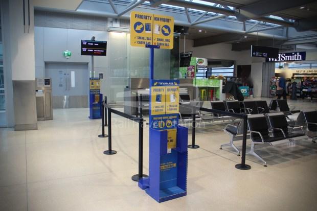 Ryanair FR666 DUB BHX 023