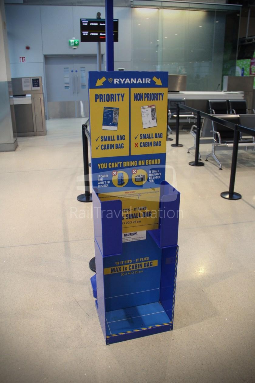 Ryanair FR666 DUB BHX 024
