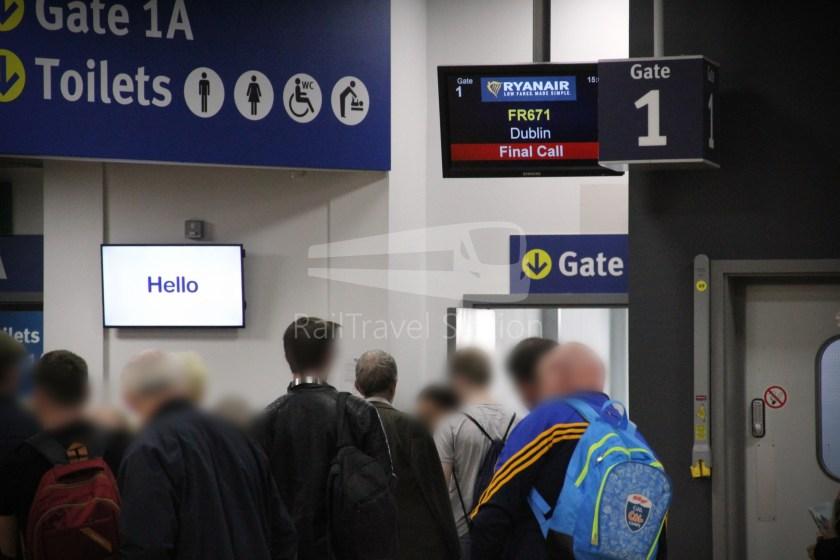 Ryanair FR671 BHX DUB 021