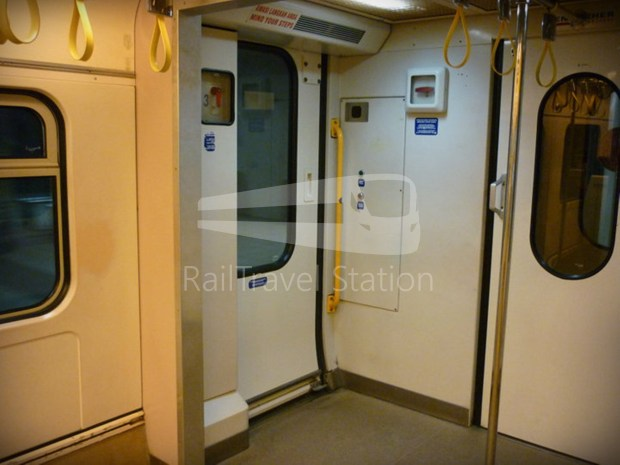 81 Class Interior Old 03.jpg
