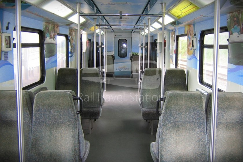 82 Class Interior Old 01