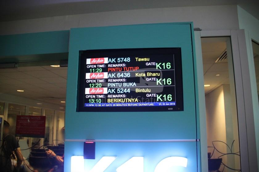 AirAsia AK6436 KUL KBR 029