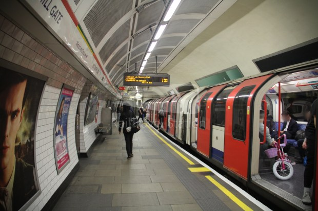 Central Line Ealing Broadway Notting Hill Gate 019