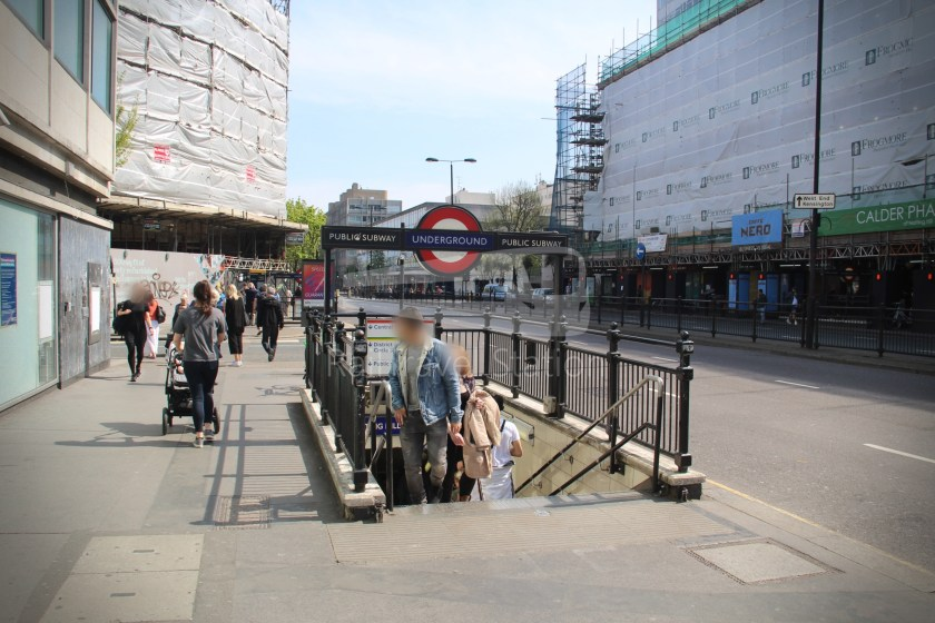 Central Line Ealing Broadway Notting Hill Gate 020