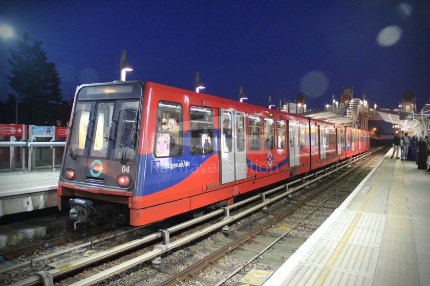 DLR Royal Victoria Canning Town 004
