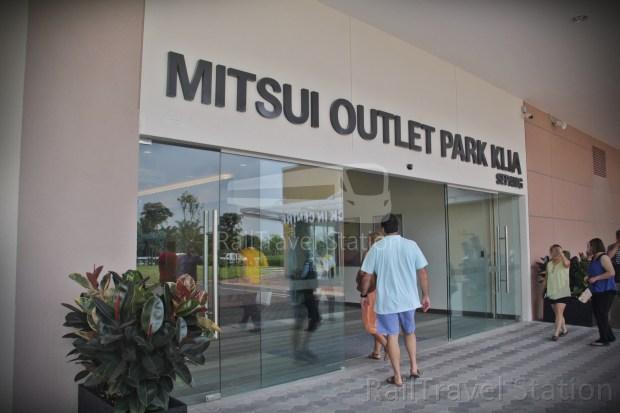 MOP Mitsui Outlet Park 01
