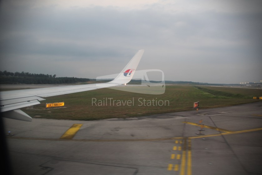 Malaysia Airlines MH607 KUL SIN 042