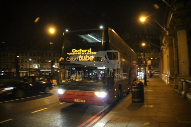 Oxford Tube London Victoria Station Stop 10A Oxford Gloucester Green Bus Station 009
