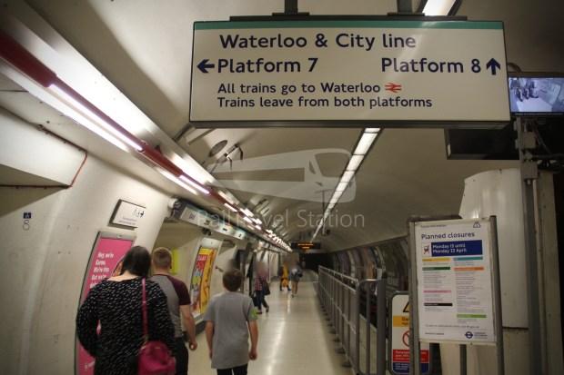 Waterloo & City Line Bank Waterloo 011
