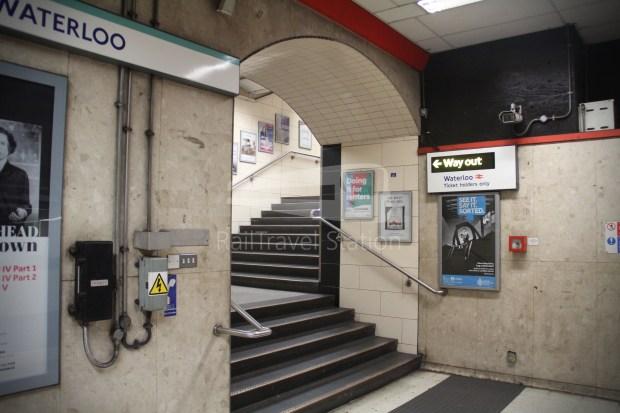 Waterloo & City Line Bank Waterloo 030