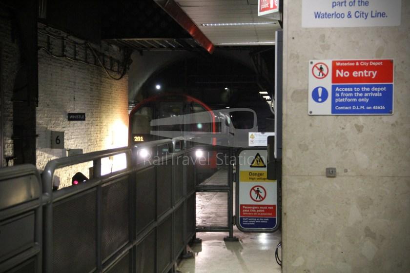 Waterloo & City Line Waterloo Bank 006