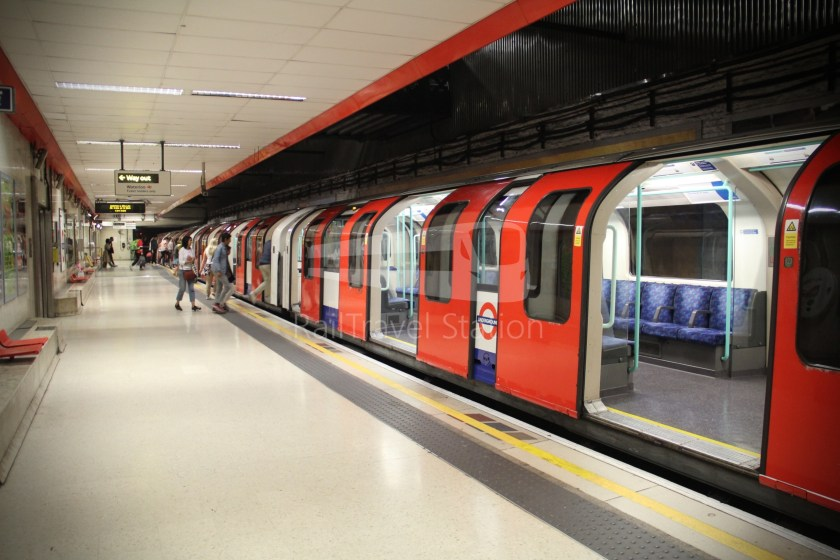 Waterloo & City Line Waterloo Bank 009