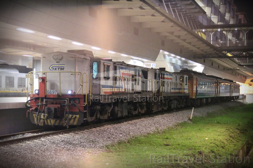 YDM 6697 001