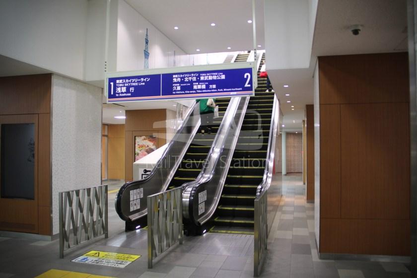 Tobu Skytree Line Local Tokyo Skytree Higashi-Mukojima 004