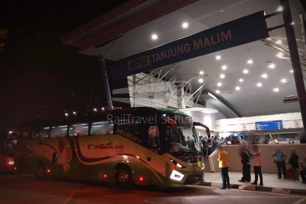 Transhipment Bus ETS Tanjung Malim 001 Watermarked