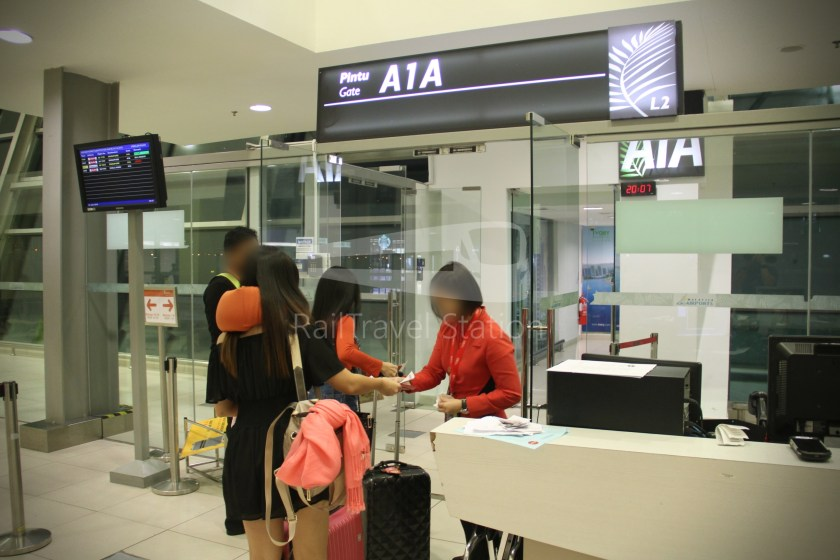 AirAsia AK1727 PEN SIN 014