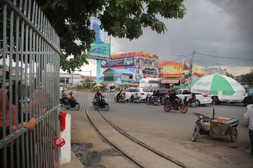 Airport Shuttle Train AIRPORT-PP 1635 PM Airport Phnom Penh 021