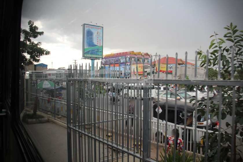 Airport Shuttle Train AIRPORT-PP 1635 PM Airport Phnom Penh 042