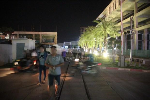 Poipet Ban Khlong Luk Walk 021