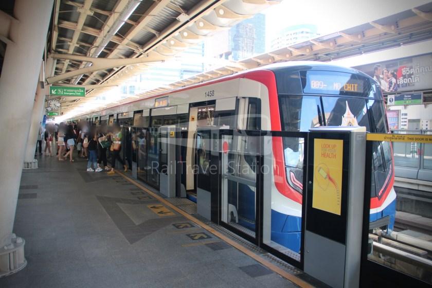 BTS Sukhumvit Line Chit Lom Phaya Thai Siemens Inspiro 002